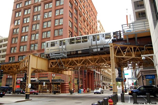 Chicago elevated train. Photo courtesy AndrewClem.com
